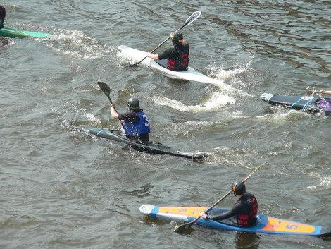 Соревнования по водному поло у стен Петропавловки.
