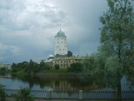 Древний Выборгский замок.Вид от Крепостной площади.