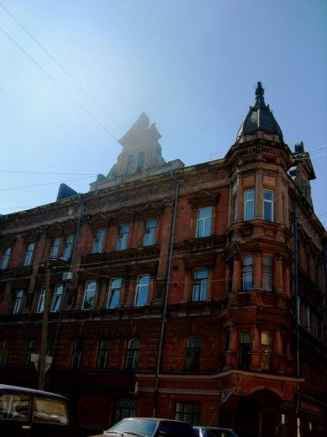 Старинный дом на пр. Ленина, недалеко от рынка.