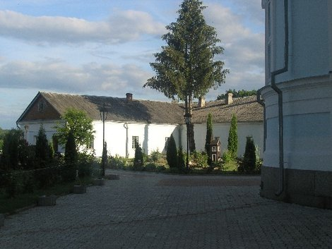 Кельи монастыря в Тригорье