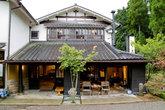 Главное здание рёкана Yufuin-hoteya