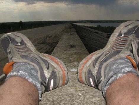 Вид между ног