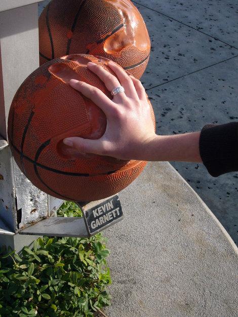 Отпечатки рук лучших баскетболистов NBA