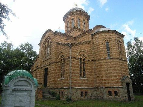 Церковь-усыпальница графов Игнатьевых в Круподеринцах
