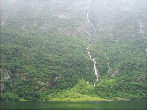 Зеленый фьорд