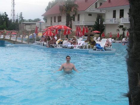 Бассейны отеля Прометей клуб