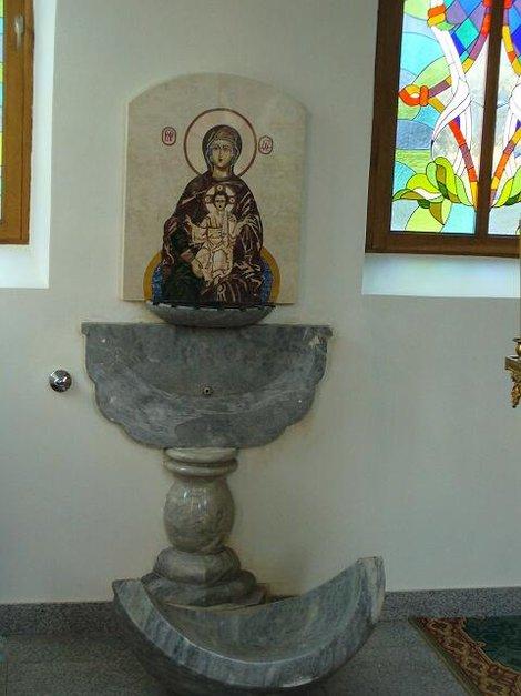 Территория Троице-Георгиевского женского монастыря. Храм Иконы Божией Матери