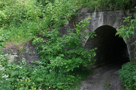 Тоннель под железной дорогой