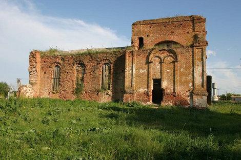Бывшая церковь в Пухово