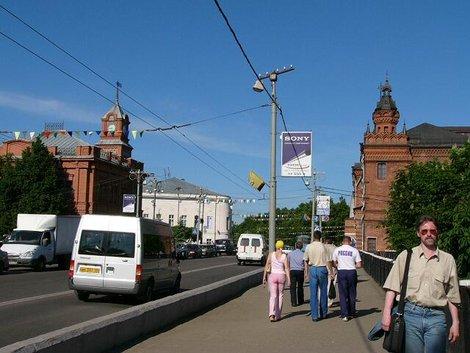 10 Старые кирпичные здания на Большой Московской, недалеко от Соборной площади