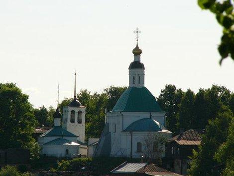 16. Вид на владимирские храмы с обзорной площадки