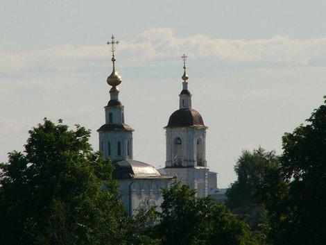 18. Вид на владимирские храмы с обзорной площадки