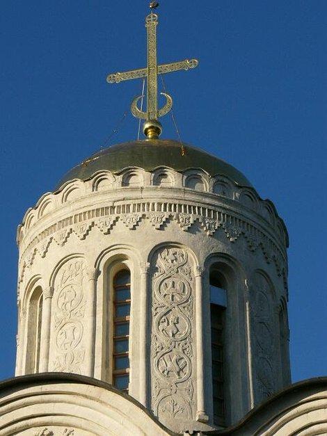 38. Барельефы Дмитриевского собора