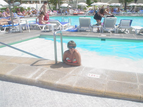 А тут оба бассейна в кадре.