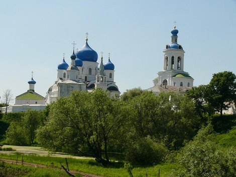 52. Свято-Боголюбский женский монастырь издали
