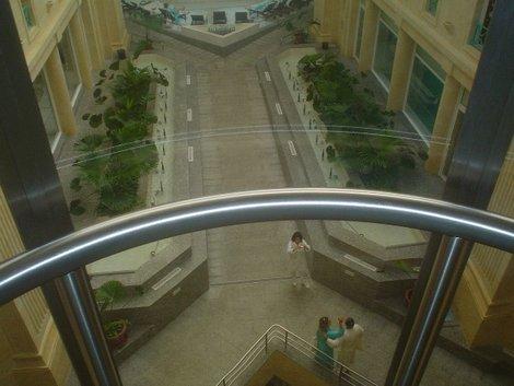 Вид из прозрачного лифта