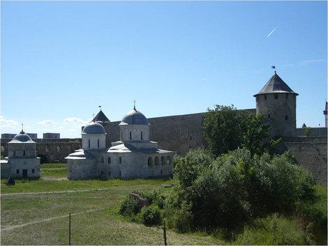 В крепости Иван-город