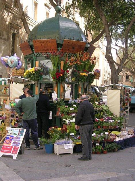Цветочный киоск в Валетте