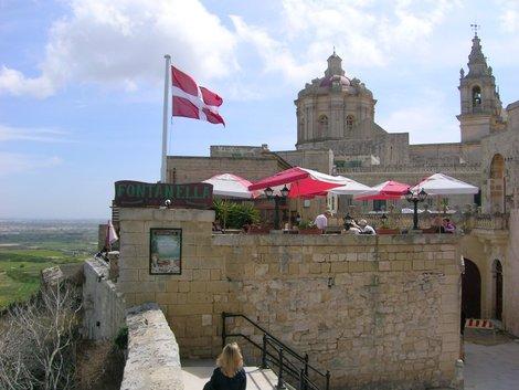Знаменитое кафе Fontanella в Мдине