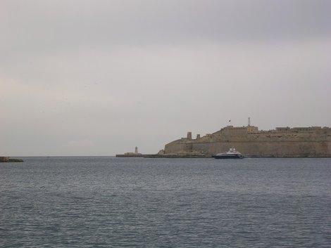 Выход из гавани между Слимой и Валеттой