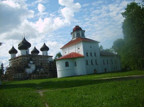 Многие церкви еще находятся в стадии реставрации.